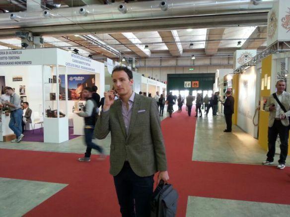 Matteo Mangoni al lavoro al Vinitaly 2014